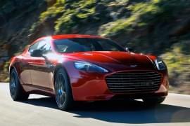 Aston Martin Rapide S pohled zepředu