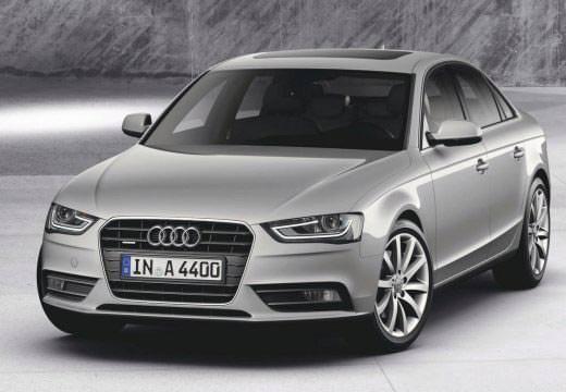 Audi A4 stříbrné