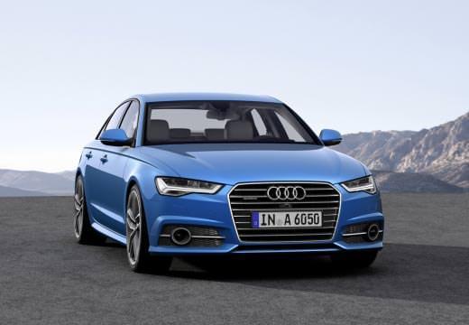Audi A6 předek modrý