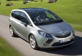 Opel Zafira zepředu