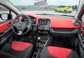 Renault Clio interiér