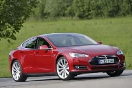 Tesla Model X P85+ Zepředu