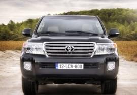 Toyota Land Cruiser čelní pohled